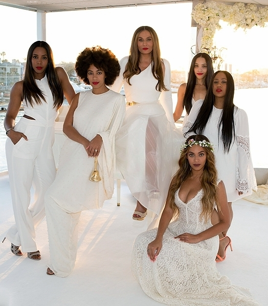 Beyoncé Looks Stunning At The All-white Wedding Of Tina